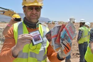 Cartouches de jeux Atari retrouvées dans le désert.
