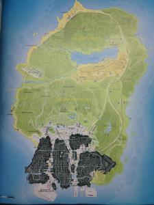 Map de GTA IV (en noir) versus GTA V.